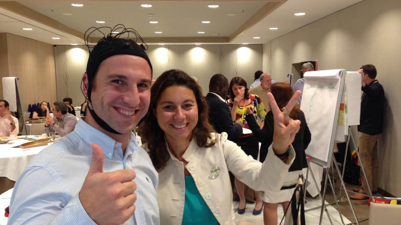 Neuroelectrics empleyees giving thumbs up